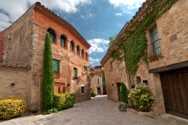 Pobles medievals a prop de l'Estartit